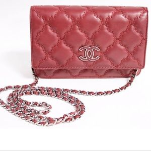 CHANEL Double Stitch Hamptons Quilted Burgundy WOC